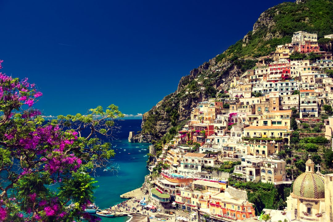 Italia: 20 borghi nella roccia da visitare ora