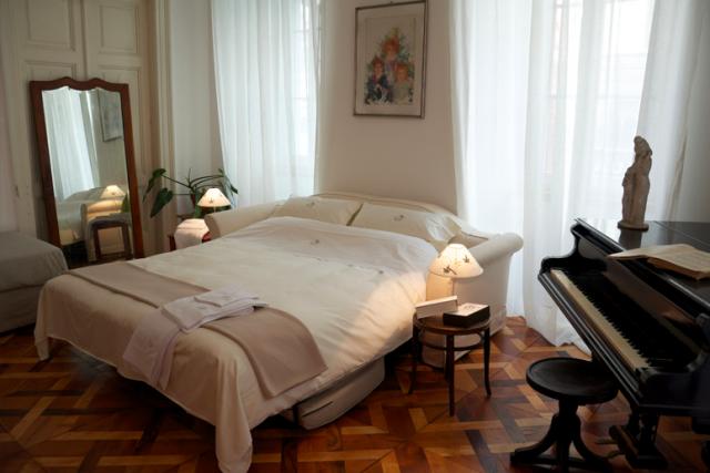 ATELIER LIDIA POLLA (TRIESTE) – Anche l'Italia vanta alcuni dei più bei b&b d'Europa. Una piccola gemma nel cuore della città friulana, dove la pittrice Lidia Polla ha vissuto e lavorato. Tre le stanze, arredate con oggetti appartenuti alla proprietaria