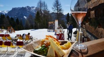 Apt-Val-di-Fassa-Happy-Cheese-on-the-snow