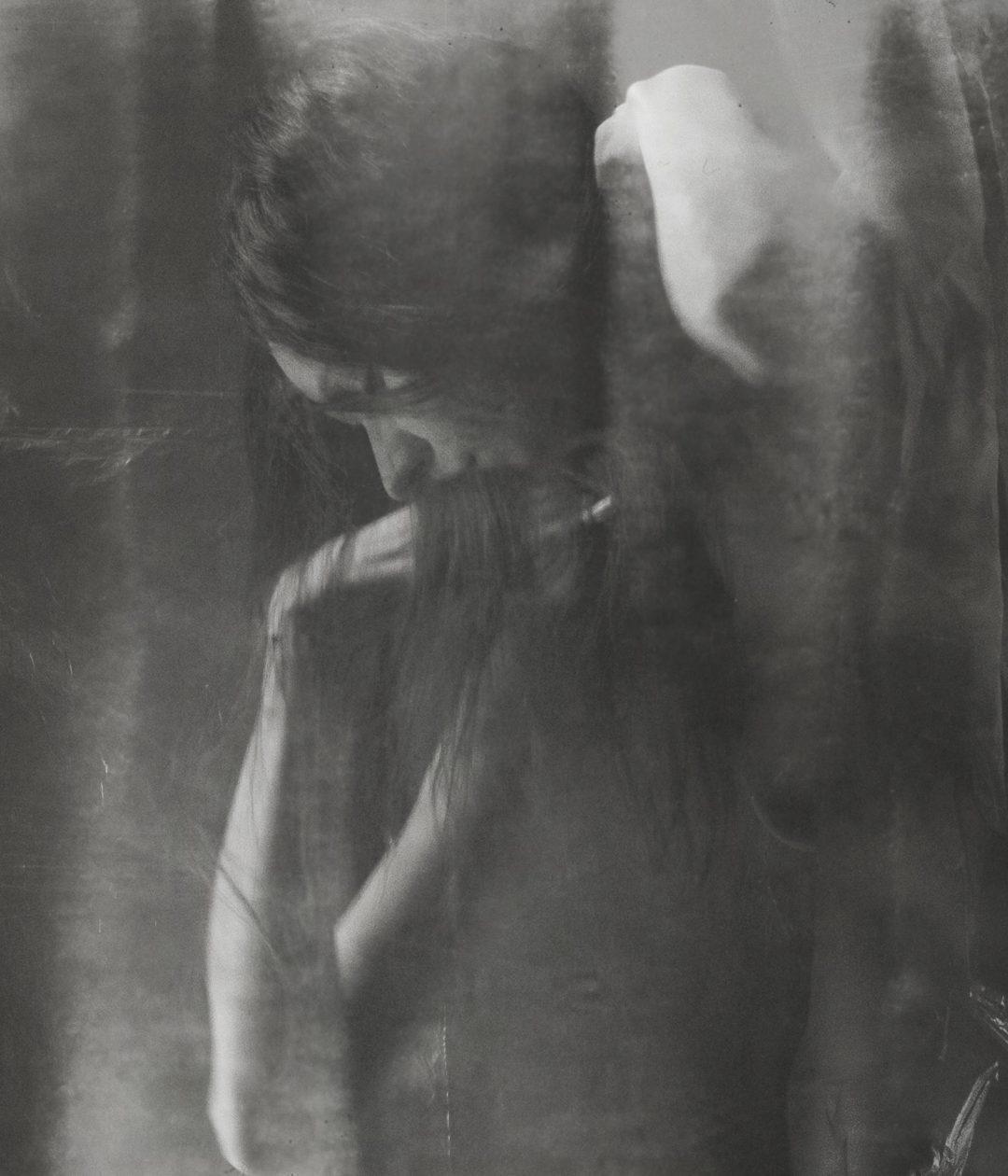 Nove fotografi rileggono il mito di Ofelia