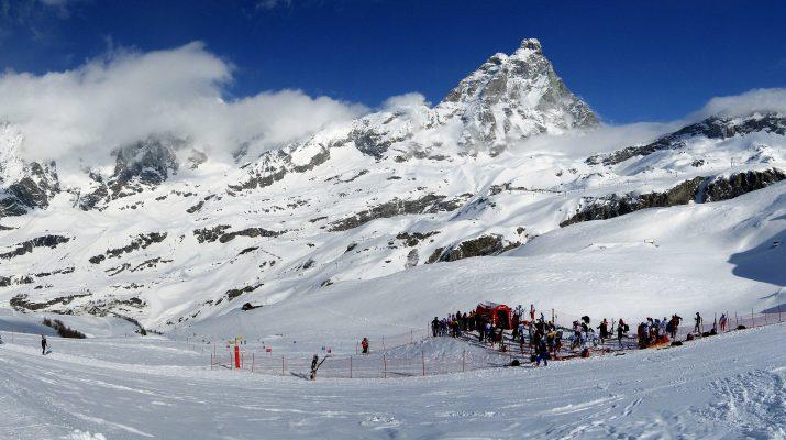 Foto Sciare in Valle d'Aosta: a Cervinia, sport e benessere