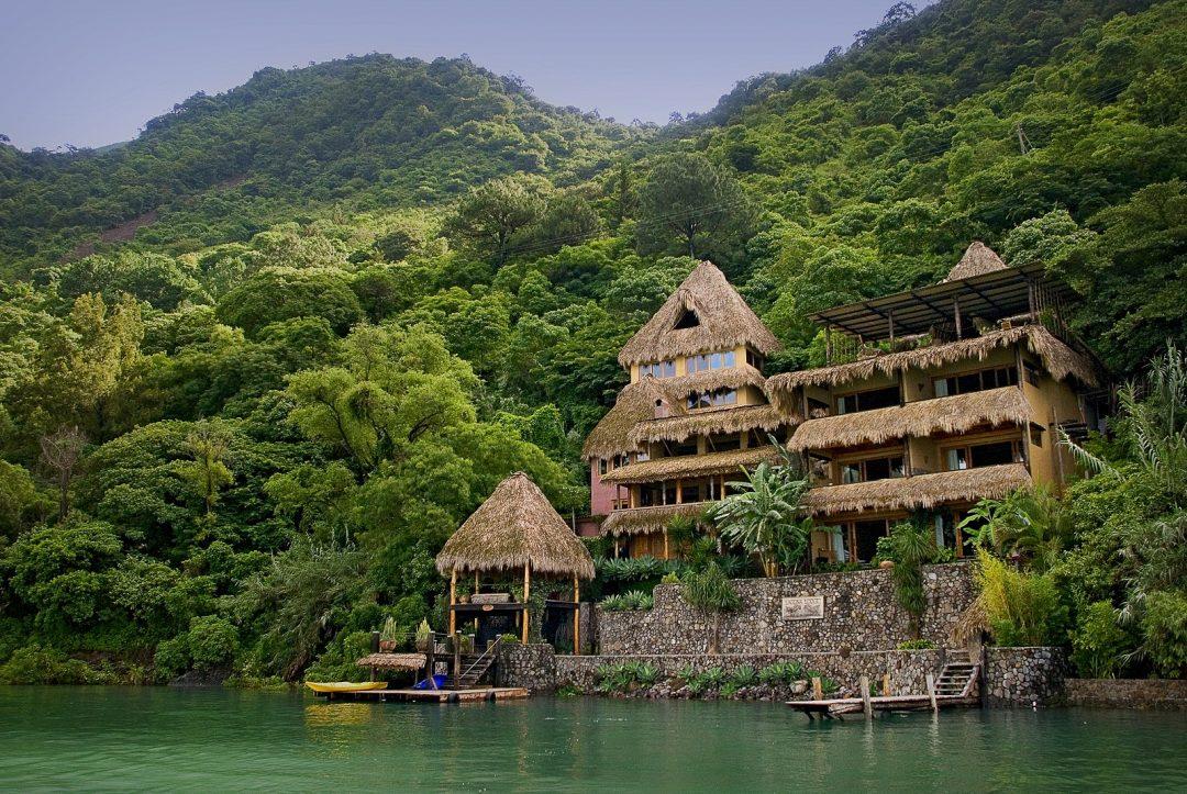 Guatemala: in ecoresort, sul lago Atitlan