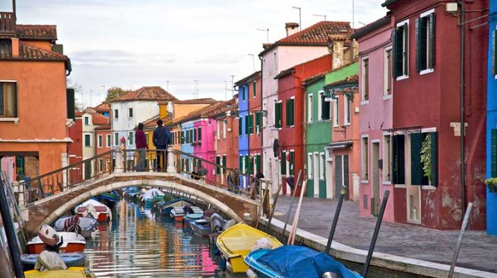 Foto Le 23 strade colorate più belle del mondo