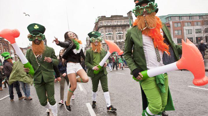 Foto Dublino si tinge di verde