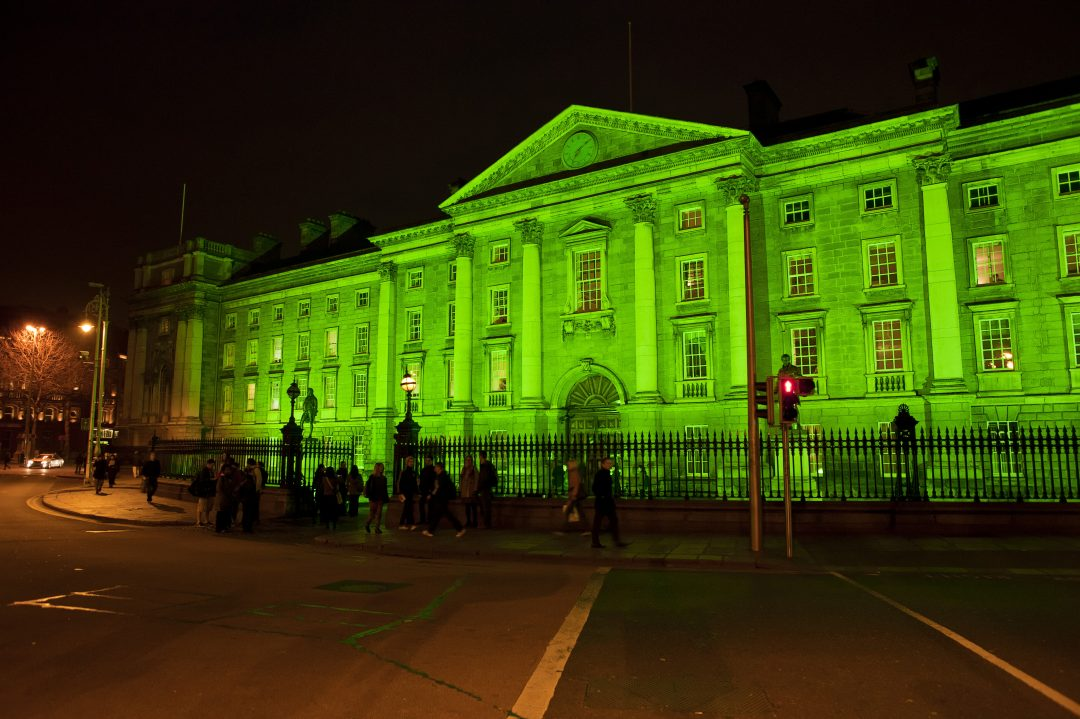 Dublino si tinge di verde
