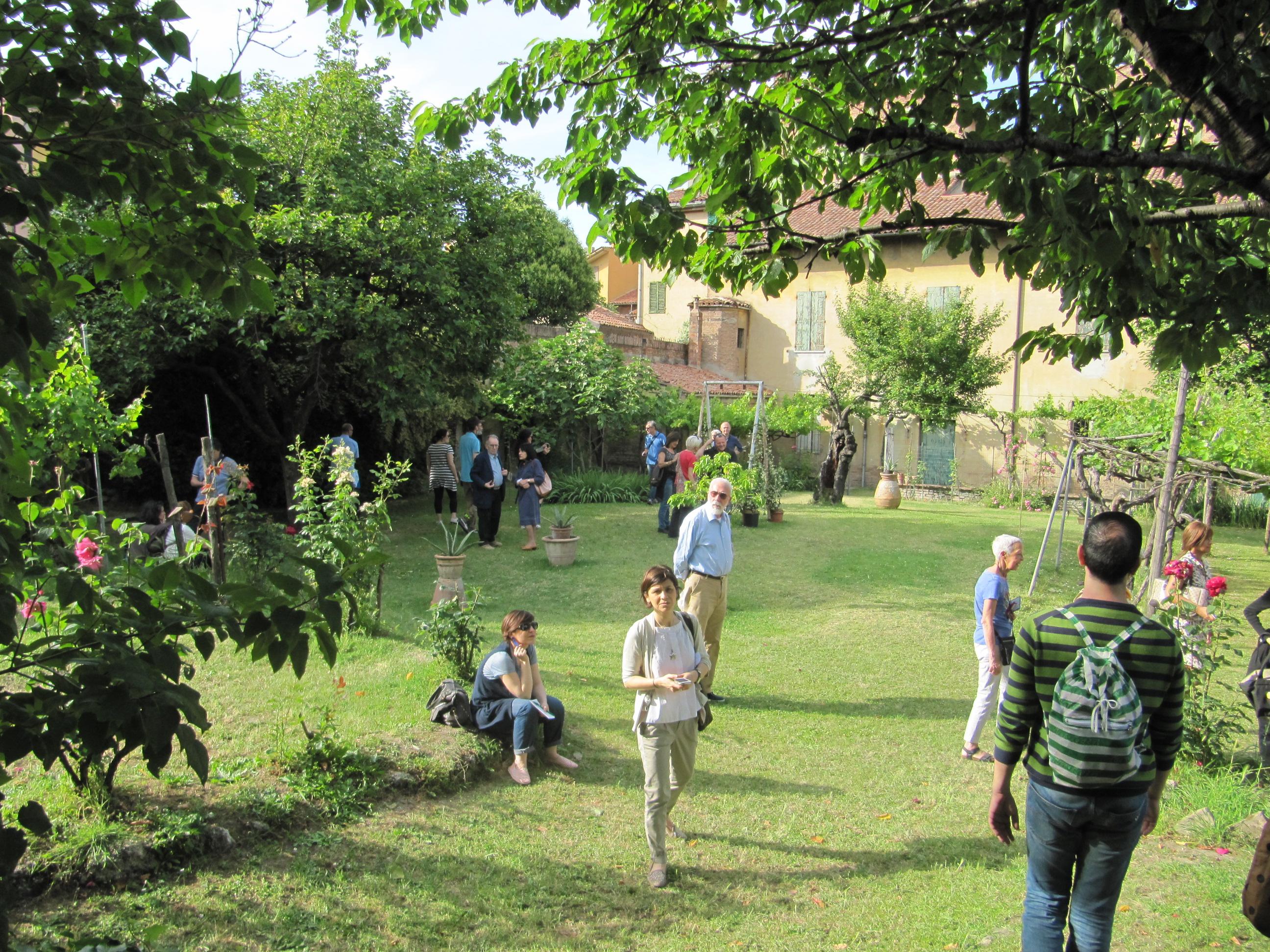 Passaparola nei giardini segreti di bologna dove viaggi for Laghetti nei giardini