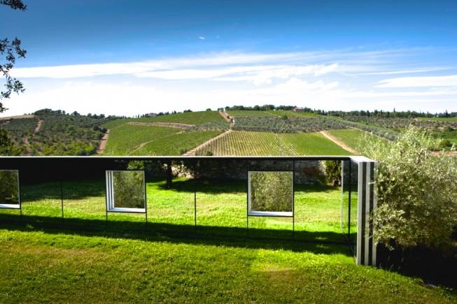 7-Castello di Ama -Sulle vigne punti di vista Daniel Buren - Copia