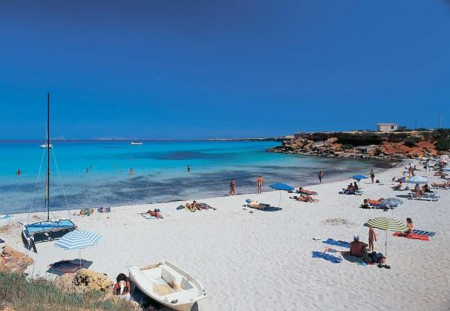 Vacanze in casa a Formentera. Per godersi in relax spiagge e mare ...