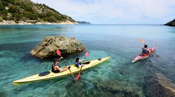 Natalino-Russo-5733-Isola-d'Elba-Campo-nell'Elba-baia-Fetovaia-in-kayak