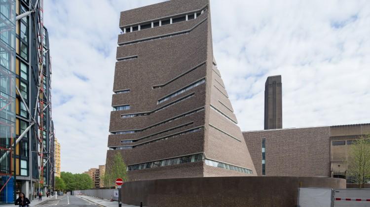 Londra: apre la nuova Tate Modern