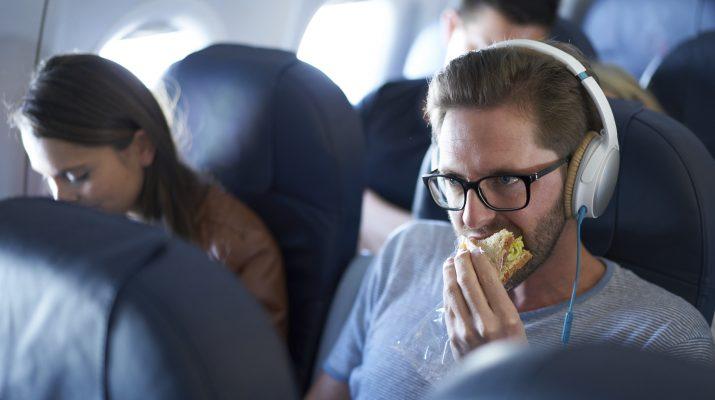 Foto 15 trucchi per viaggiare meglio in aereo