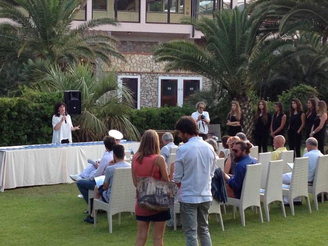 Elba Party: l'isola dell'arcipelago toscano brinda a Dove. E al suo reportage a 360°
