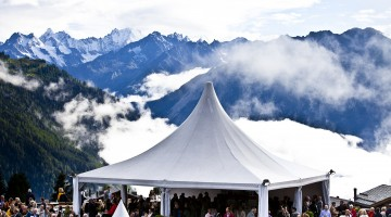 View on the mountains from the Combins terrace (c) Nicolas Brodard