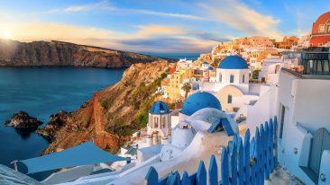 Santorini la più famosa delle isole greche delle cicladi