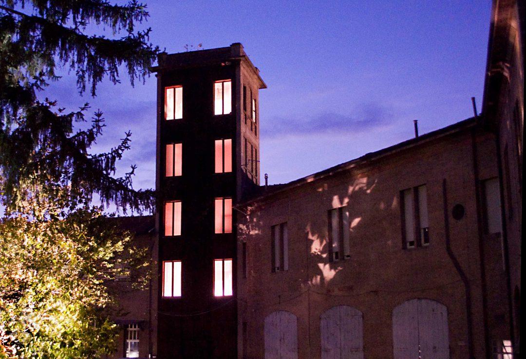 Ferrara: draghi, design e epici furori