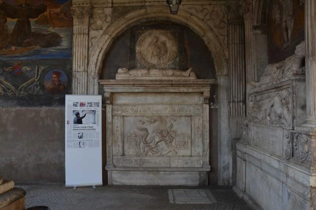 Dracula è qui! LA presunta tomba del vampiro più famoso nella chiesa di Santa Maria La Nova.