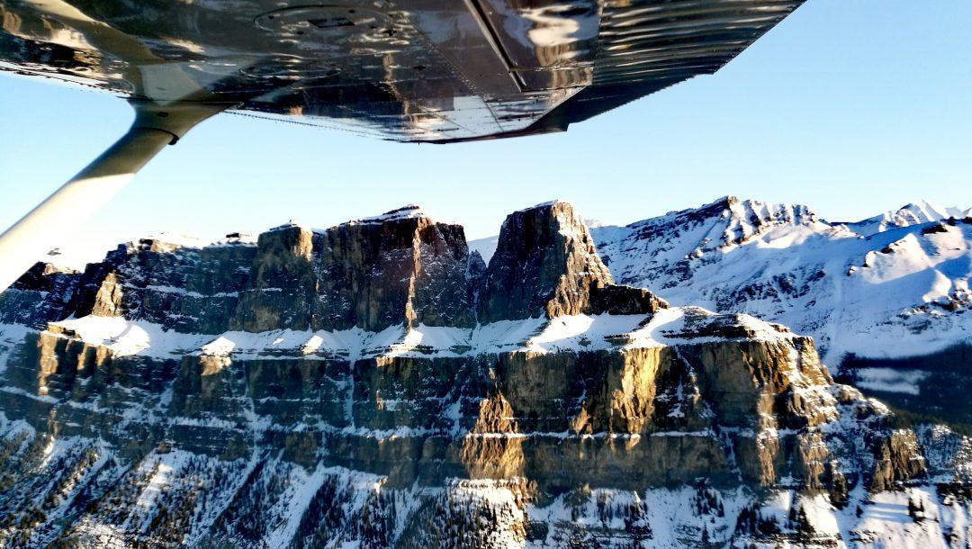 Tra ghiaccio e neve: in montagna con lo smartphone che ama l'avventura