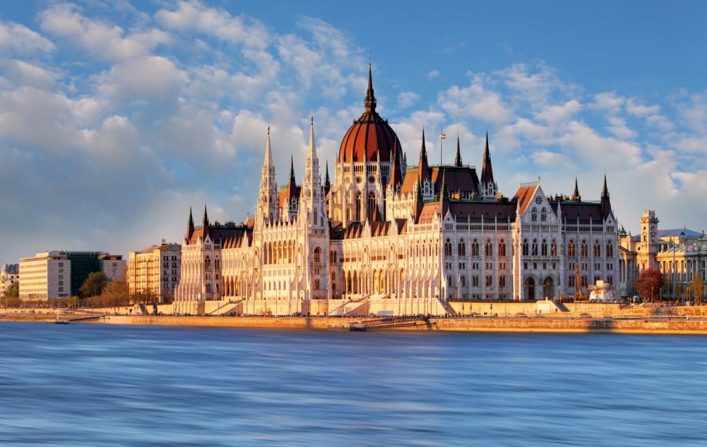 Europa low-cost: le 25 città che costano meno con Airbnb. Due sono italiane
