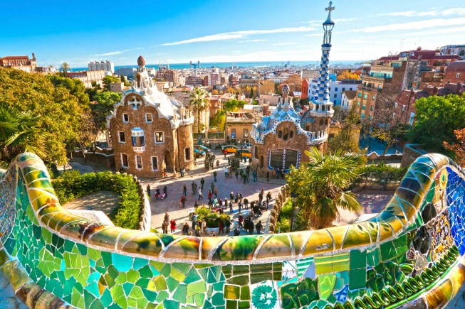 iStock_barcellona-parc-guell-ok