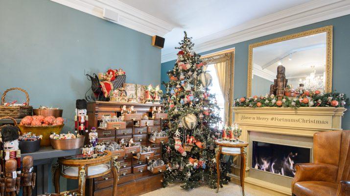 Foto Londra, caccia ai regali di Natale