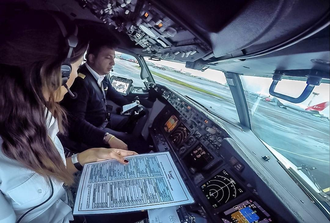 Instagram: tutti pazzi per Eser, donna pilota