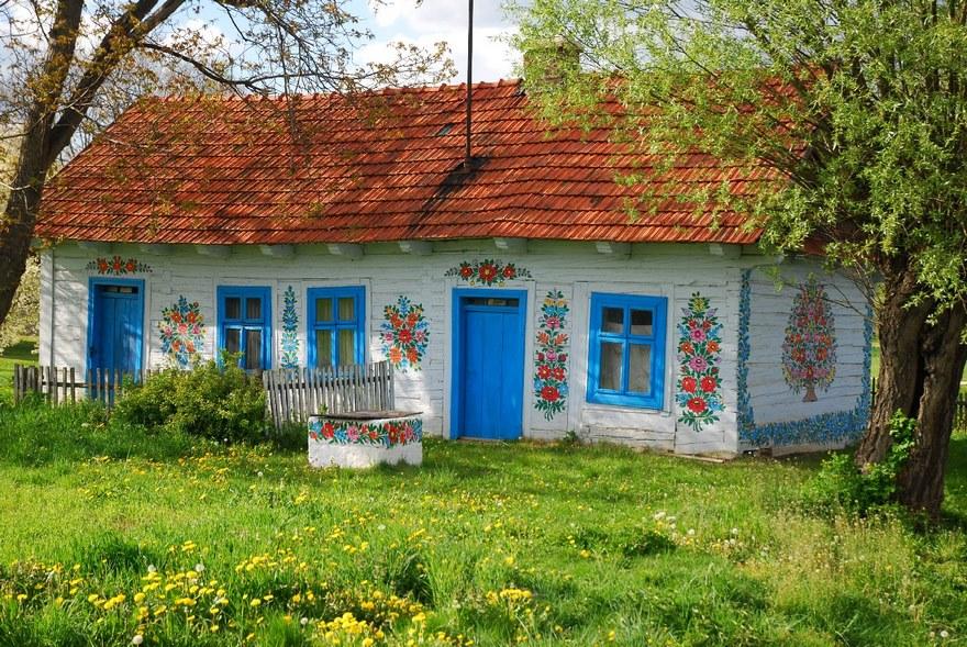 Viaggio a Zalipie, dove tutto è ricoperto di fiorellini - Dove Viaggi