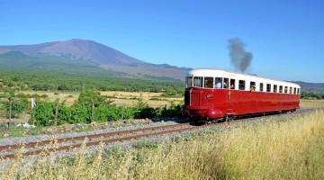 Weekend di gusto in Sicilia: riparte il Treno dei vini dell'Etna