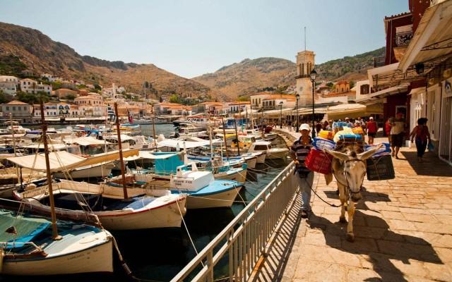 Grecia: tra Idra e Poros, in vacanza con la barca a noleggio