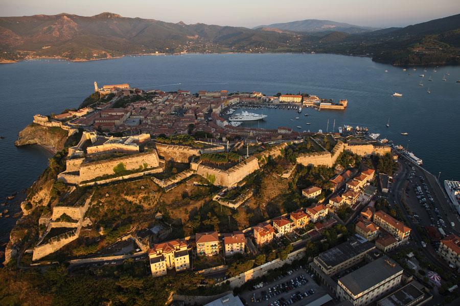 Isola d'Elba: 10 luoghi da scoprire con Dove Academy