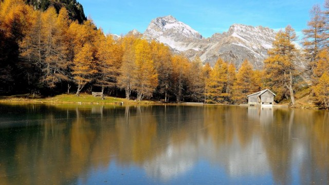 Bergün, in lingua romancia Bravuogn, come molti piccoli paesi di montagna in Svizzera, combatte contro la diminuzione delle presenze turistiche