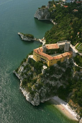Il castello di Duino, residenza privata, ma visitabile.