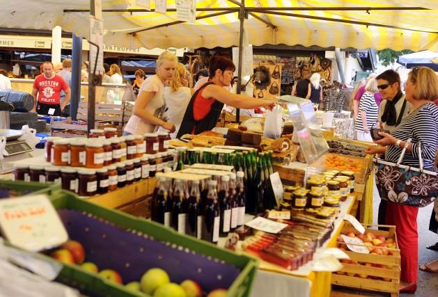 Al mercato contadino di Klagenfurt.