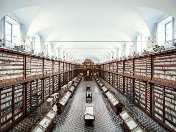 La Biblioteca Casanatenseaperta nel 1701 presso il convento di Santa Maria sopra Minerva a Roma