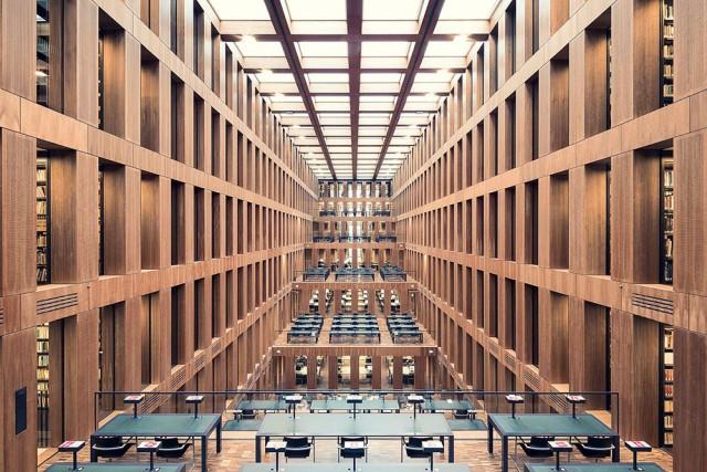 La biblioteca universitaria Grimm Zentrum diBerlino, 2009