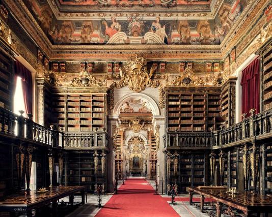 La biblioteca Joaninadell'Università di Coimbra, costruita nel XVIII secolo