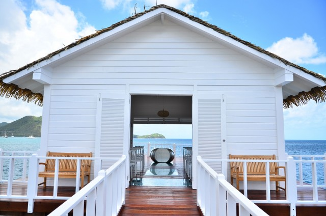 La nuova over-the-water chapel, sempre al Sandals Grande St. Lucian, per celebrare matrimoni o feste di anniversari di nozze.
