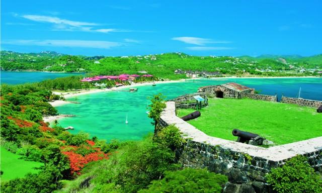 Saint Lucia è meta prediletta dai sub, che qui trovano fondali mozzafiato. Al largo di Rodney Bay si avvistano razze, murene, aragoste e barracuda.