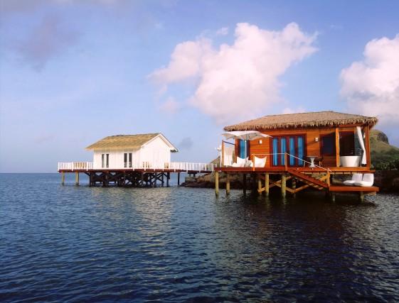 Prenotando entro il 30 giugno i boungalow overwater del Sandals Grande St. Lucian si può usufruire di uno sconto del 60 per cento sul soggiorno.