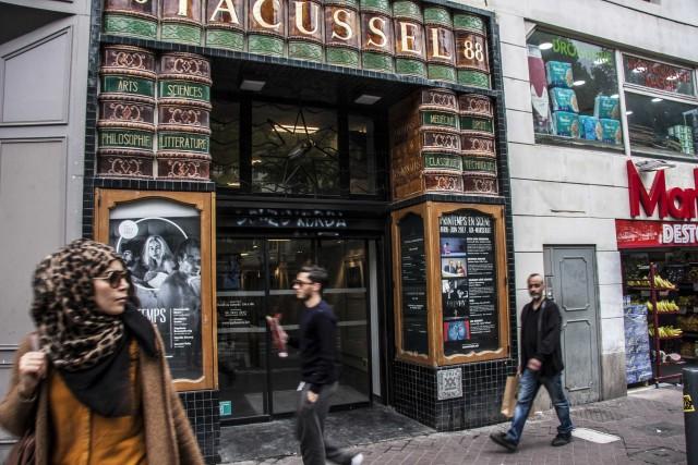 Sulla Canebière, l'antica arteria che porta al porto vecchio, ecco la libreria Tacussel, dove scovare libri rari.