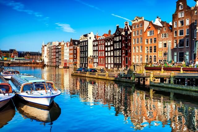 OLANDA – A pari merito di Irlanda e Germania, anche in Olanda 29 giorni di ferie, di cui 20 retribuiti e 9 di festa nazionale.