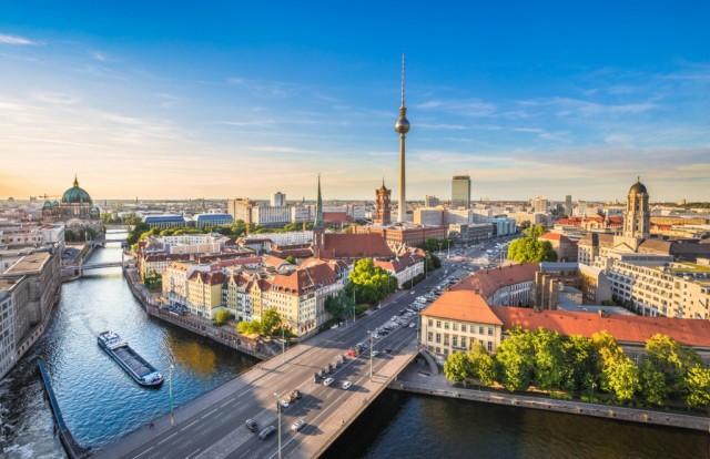 GERMANIA – 29 giorni, di cui 20 pagati e 9 di festa nazionale.