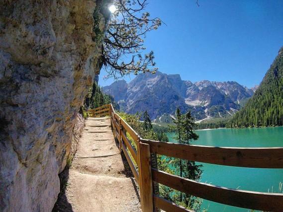 """Da qui parte l'Alta via n. 1 delle Dolomiti, detta """"La classica"""", che arriva fino a Belluno ai piedi del Gruppo dello Schiara"""