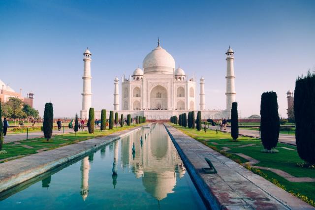 14. #TajMahalPatrimonio Unesco, nonché una delle sette meraviglie del mondo,il mausoleo fatto costruire nella città indiana di Agra nel 1600, dall'imperatore moghul Shah Jahan in memoria della sua moglie preferita, è al quattordicesimo posto tra le attrazioni i cui hashtag sono stati maggiormente utilizzati dagli utenti di Instagram:#TajMahal ricorre603.390 volte.
