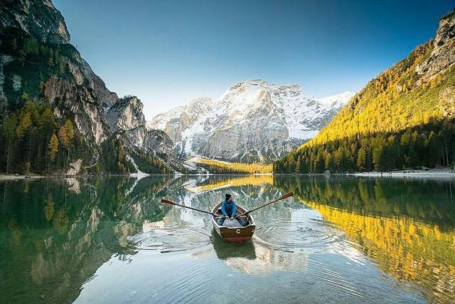 """È diventato celebre per la serie tv """"Un passo dal cielo"""" con Terence Hill. Nel film, tuttavia, il lago è chiamato """"Lago di San Candido"""""""