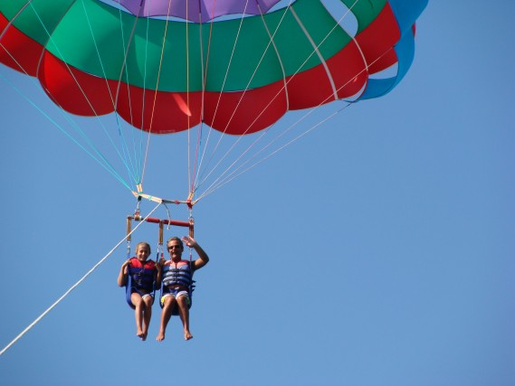 #DoveSonoRe: volando leggero nel cielo più blu. Daniele Libralesso a Torre San Giovanni, Puglia.