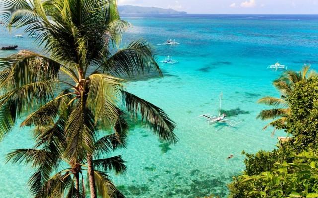Basta digitare il nome su Google per scoprire subito che che l'Isola di Boracay è famosa per le sue acque cristalline, la finissima sabbia bianca delle spiagge, le magnifiche cascate d'acqua, l'esotica fauna marina e il panorama suggestivo