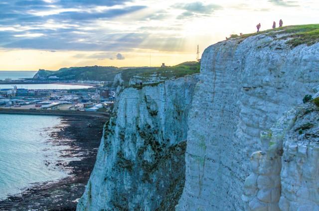 """43. #WhiteCliffsOfDoverLecandidescogliere di Doversi stagliano proprio sul Canale della Manica, lì dove sorge l'omonimacittà costiera del Regno Unito. Citate daShakespeare nel suo """"Re Lear"""", fanno la loro comparsa nel film di James Bond Moonraker – Operazione spazio. Ma soprattutto, fanno la loro comparsa su Instagram15,995, come#WhiteCliffsOfDover."""
