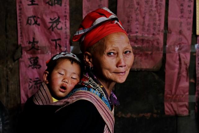 Interno di una abitazione di una famiglia di etnia Dzao a Sa Pa.