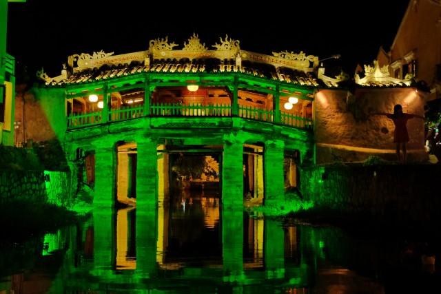 Il ponte giapponese a Hoi An è l'unico ponte coperto al mondo ad avere al suo interno un tempio buddhista.