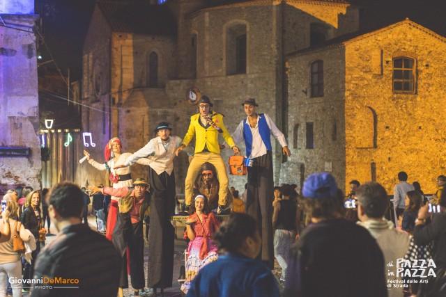 Un'immagine dello scorso festival Di Piazza in Piazza. L'evento avrà luogo l'1 e il 2 ottobre a Cosenza.